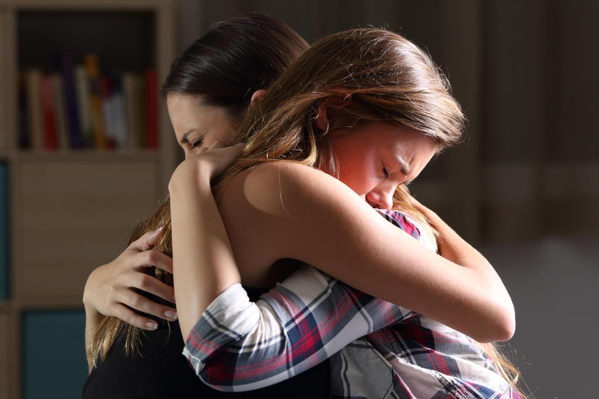 Успешной, картинки подругу обнимаю не плачь